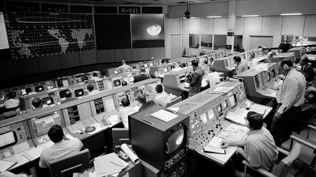 SRE2AUX: Bộ điều khiển máy bay trở thành SRE đầu tiên như thế nào
